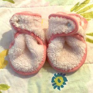 Baby Deedee 3M booties. EUC. No stains.